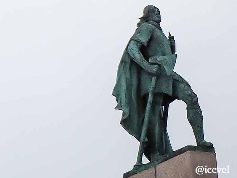 レイブル・エイリクソンの像